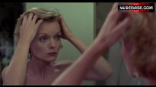Michelle Pfeiffer Full Naked – Into The Night