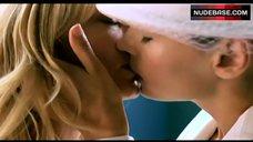 Joely Richardson Sweet Lesbian Kiss – Nip/Tuck