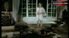 10. Catherine Alric Shows Breasts – T'Empeches Tout Le Monde De Dormir