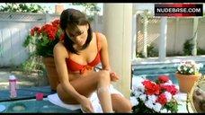 Eva Longoria Shaving Her Legs – Desperate Housewives