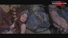Valerie Quennessen Bikini Scene – Conan The Barbarian