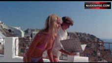 2. Valerie Quennessen Tits Flash – Summer Lovers