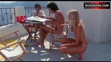 5. Valerie Quennessen Tits Flash – Summer Lovers