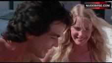 9. Valerie Quennessen Tits Flash – Summer Lovers