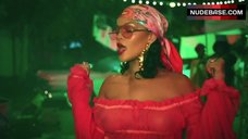 Rihanna Without Bra – Wild Thoughts
