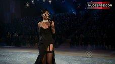 Rihanna Underwear Scene – The Victoria'S Secret Fashion Show 2012