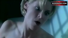 1. Julie Bowen Naked Sitting on Face – Amy'S O