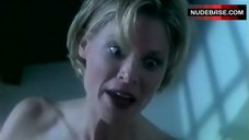 2. Julie Bowen Naked Sitting on Face – Amy'S O
