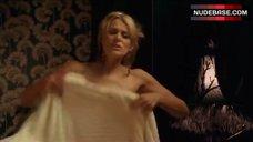 10. Diana Glenn Naked in Bathroom – Satisfaction