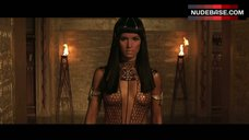 Patricia Velasquez Hot Scene – The Mummy