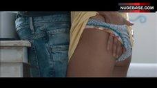 Patricia Velasquez Hot Lesbian Scene – Liz In September