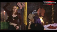 Alicia Witt in Black Bra – Playing Mona Lisa