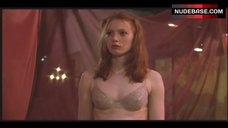 Alicia Witt in Bra – Playing Mona Lisa