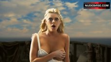 Sophie Monk Hot Scene – The Legend Of Awesomest Maximus
