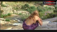 Jane Seymour Boobs Scene – Sinbad And The Eye Of The Tiger