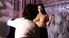 Deborah Shelton Sex Scene – Koritsia Me Vromika Heria