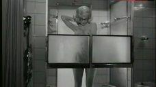 Birke Bruck Nude in Shower – Die Rechnung - Eiskalt Serviert