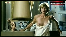 Francine Berge Bare Tits and Ass – Un Crime