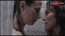10. Ana Serradilla Lesbian Scene – La Otra Familia