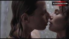 6. Ana Serradilla Lesbian Scene – La Otra Familia