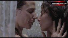 9. Ana Serradilla Lesbian Scene – La Otra Familia