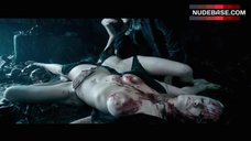 Kaja Gjesdal Topless on Ground – Underworld: Evolution