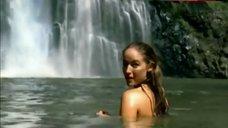 5. Leelee Sobieski in Waterfall – Hercules