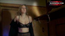 Leelee Sobieski in Sexy Lingerie – Night Train