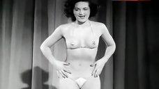 Illona Dance in Mini-Bikini – Ding Dong Night At The Moulin Rouge