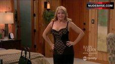 Melissa Joan Hart Hot Scene – Melissa & Joey