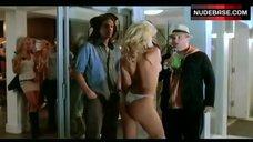 3. Dita De Leon Shows Nude Boobs– Bottoms Up