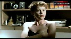 Pamela Gidley in Black Lingerie – Liebestraum