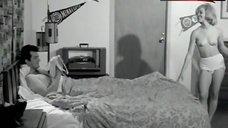 Julia Ames  nackt
