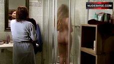 Vaile Fuchs Nude in Shower – Vier Sind Einer Zuviel