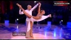 2. Edyta Sliwinska Danse in Bikini – Dancing With The Stars