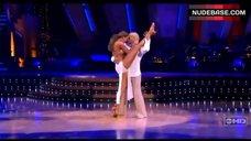 8. Edyta Sliwinska Danse in Bikini – Dancing With The Stars