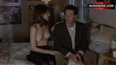 Perrey Reeves Nude Breasts – Kicking And Screaming