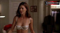4. Perrey Reeves in Sexy White Lingerie – Entourage