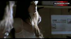 Minka Kelly Underwear Scene – Friday Night Lights
