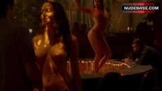 3. Shamron Moore Shows Naked Breasts – Entourage