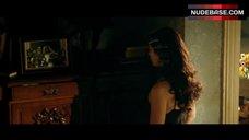 7. Monica Bellucci Cleavage – Malena