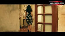 1. Monica Bellucci Ass Scene – Malena