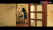5. Monica Bellucci Ass Scene – Malena