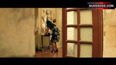 6. Monica Bellucci Ass Scene – Malena