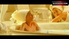 Monica Bellucci Nude in Bathtub – Asterix & Obelix: Mission Cleopatre