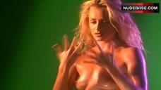 Jennifer O'Dell Nude Dancing – The Colony