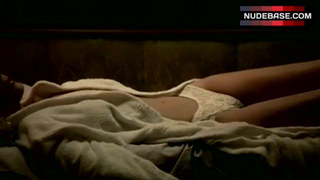 Amber Heard Nude In The Informers Sex Scene