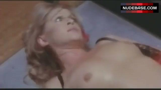 Anouska Hempel  nackt
