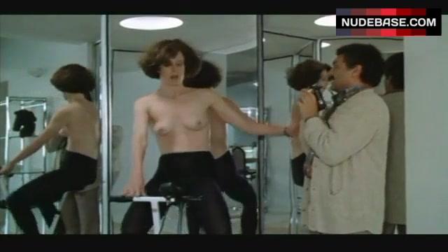 Sigourney Weaver Topless On Exercise Bike  Half Moon -8134