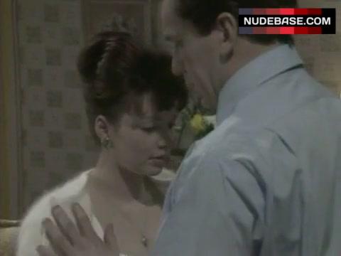 Nackt Joanne Whalley  Val Kilmer